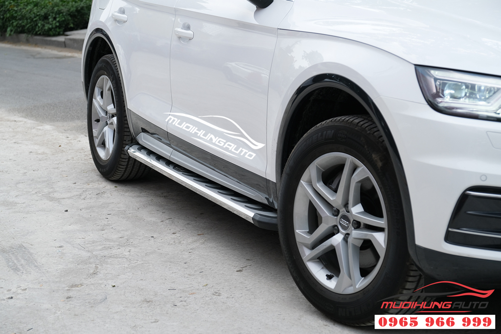 Audi Q5 2020 gắn bệ bước chân cao cấp chính hãng