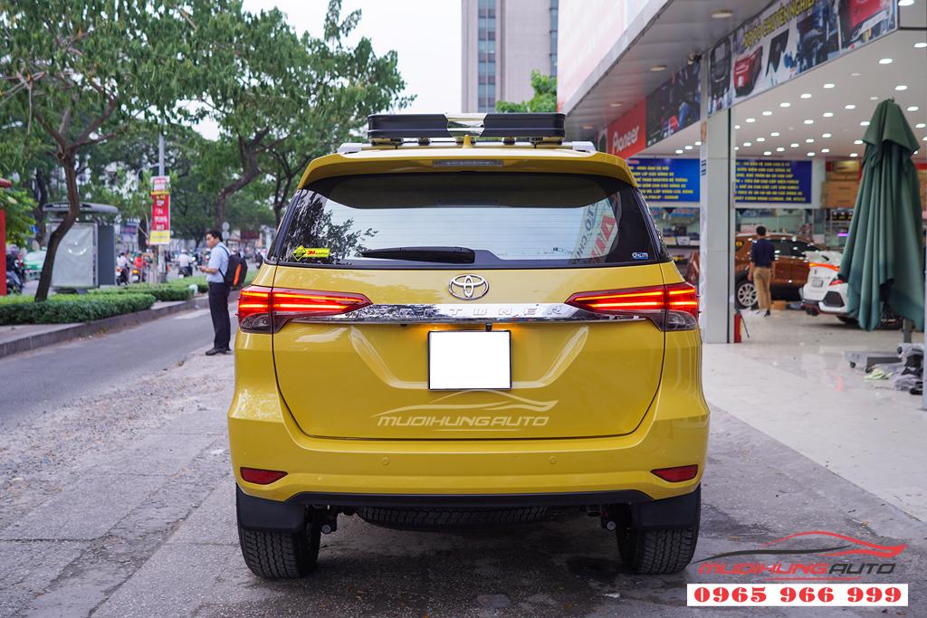 Ba ga zin theo xe Toyota Fotuner chính hãng