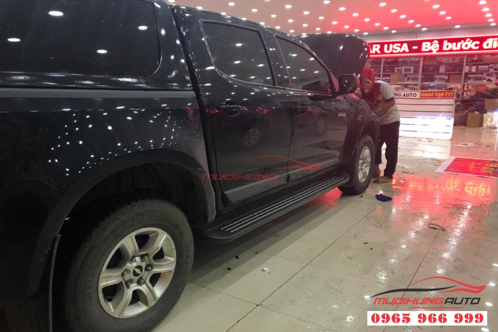 Bệ bước lên xuống Chevrolet Colorado 2019 chính hãng