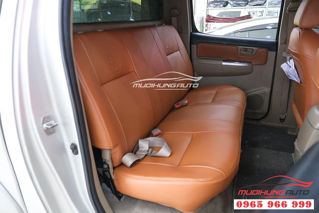 Bọc ghế da uy tín cho Toyota Hilux tại TPHCM
