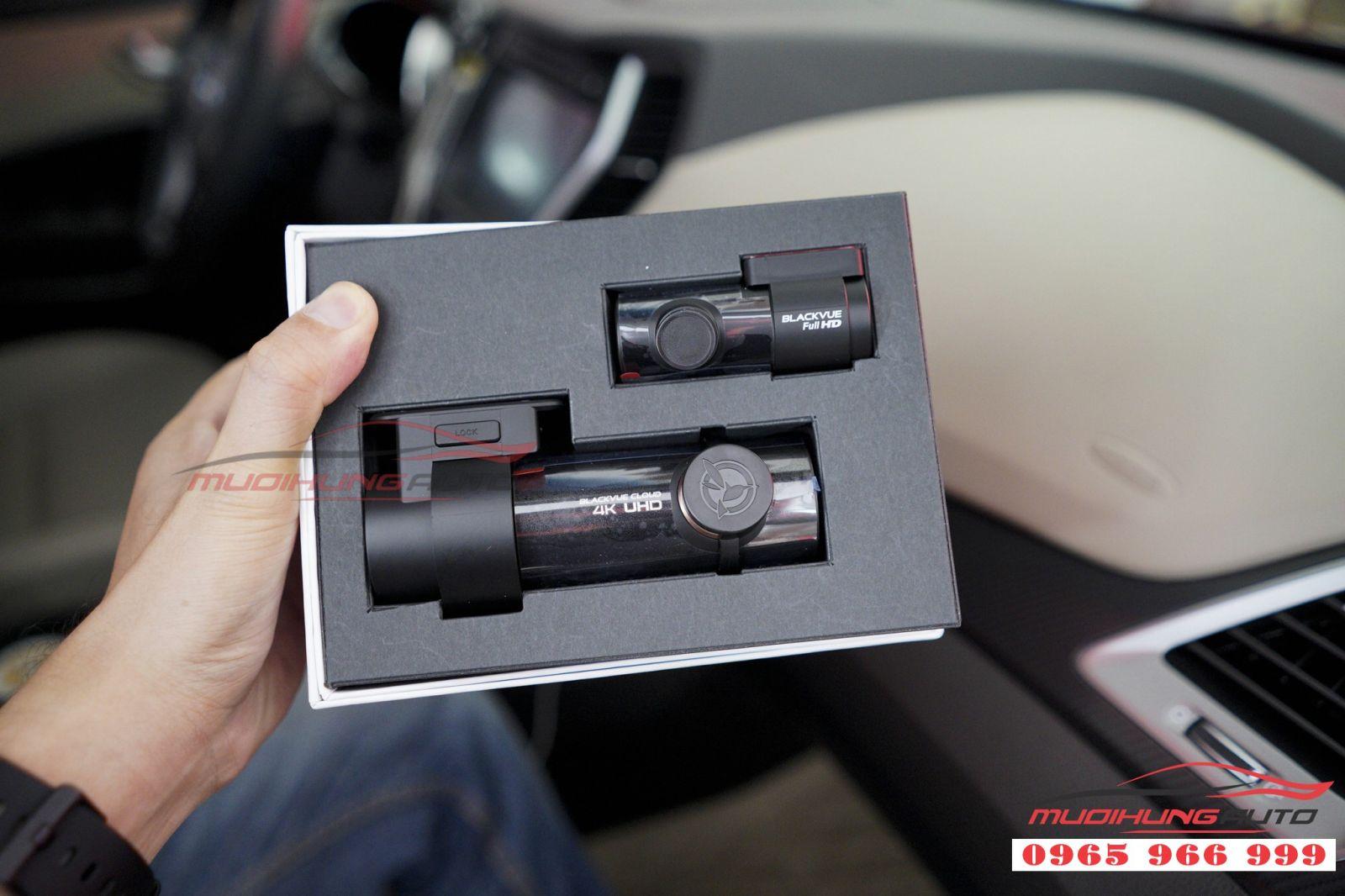 Camera hành trình Black DR900 2CH cho xe Santafe 03