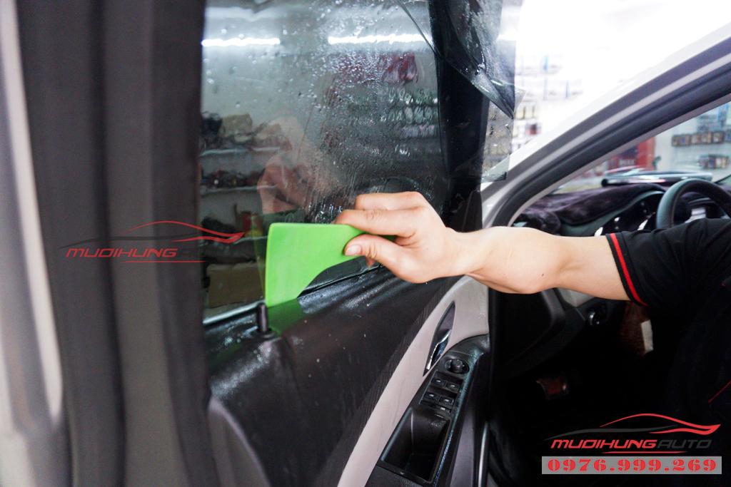 Dán phim cách nhiệt 3M Chevrolet Cruze chính hãng giá rẻ