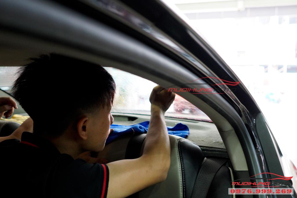 Dán phim chống nóng Llumar Chevrolet Cruze Tại Tphcm