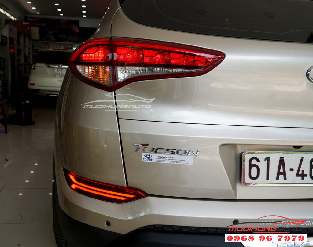 Đèn Led cản sau Hyundai Tucson 2018 Zin theo xe 01