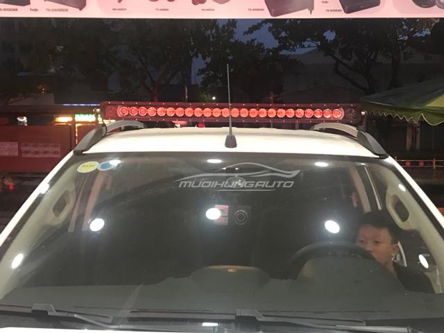 Độ đèn Mui xe Ford Ranger chính hãng