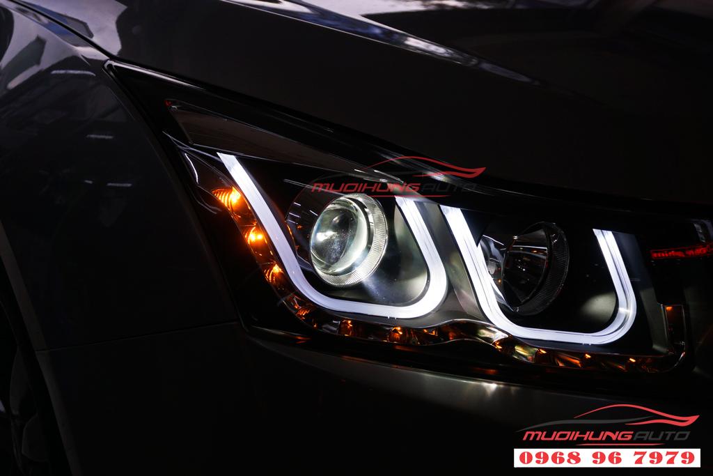Độ đèn pha và đèn hậu nguyên khối Chevrolet Cruze 2010 05