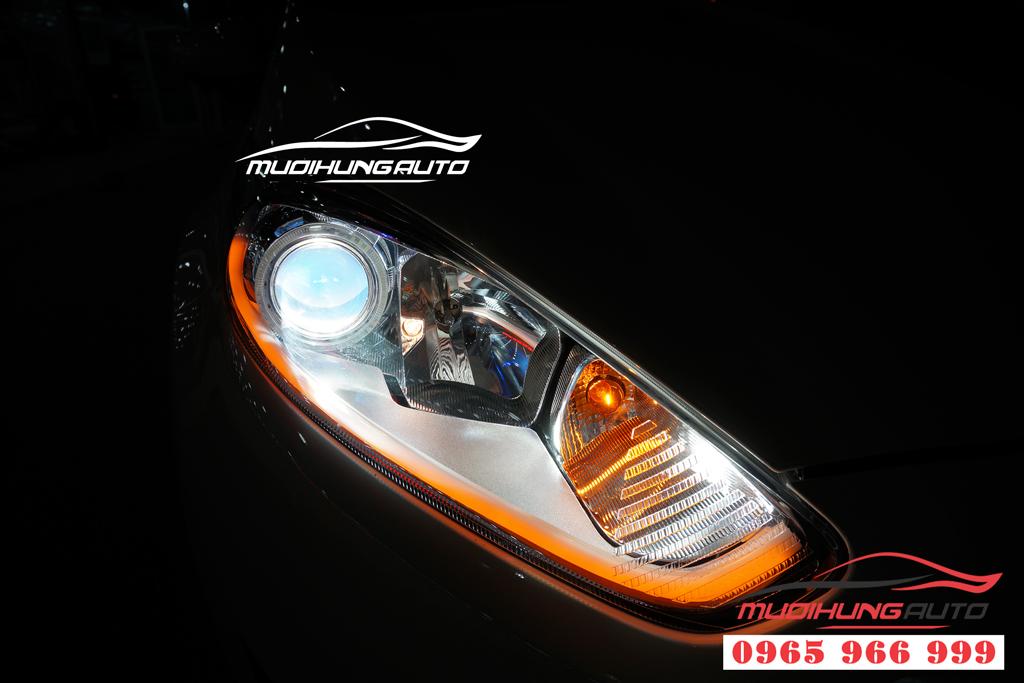 Độ đèn pha xe Ford Fiesta chuyên nghiệp tại tphcm