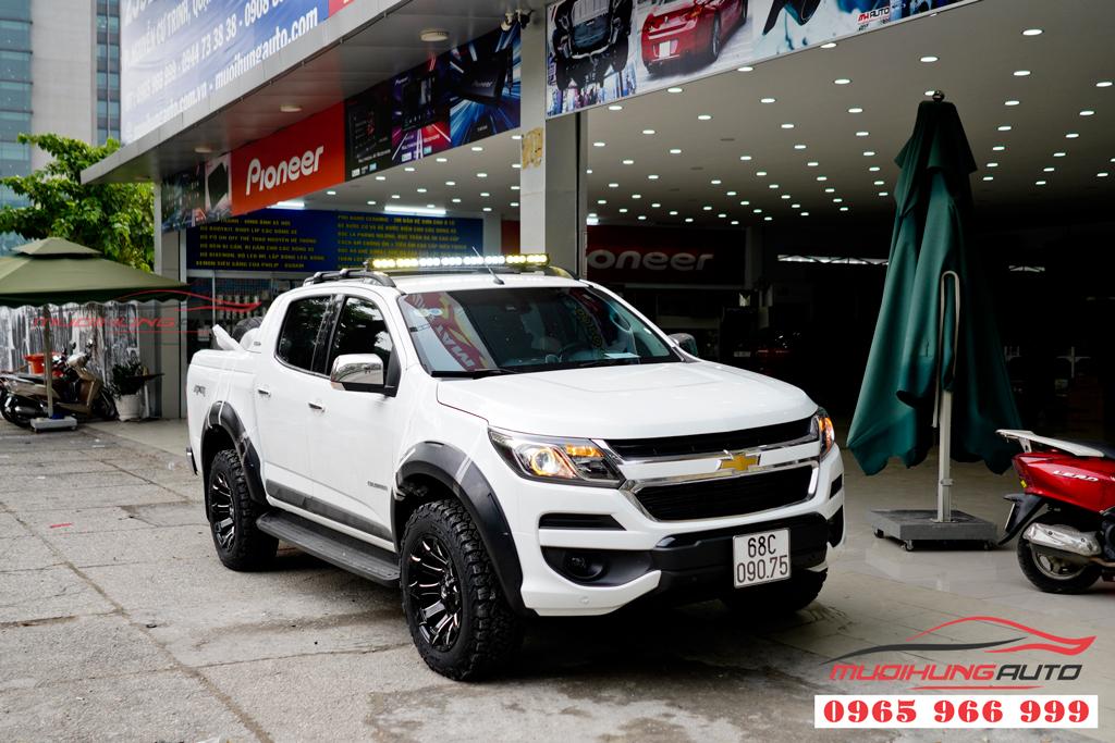 Độ mâm đúc thể thao Chevrolet Colorado chính hãng