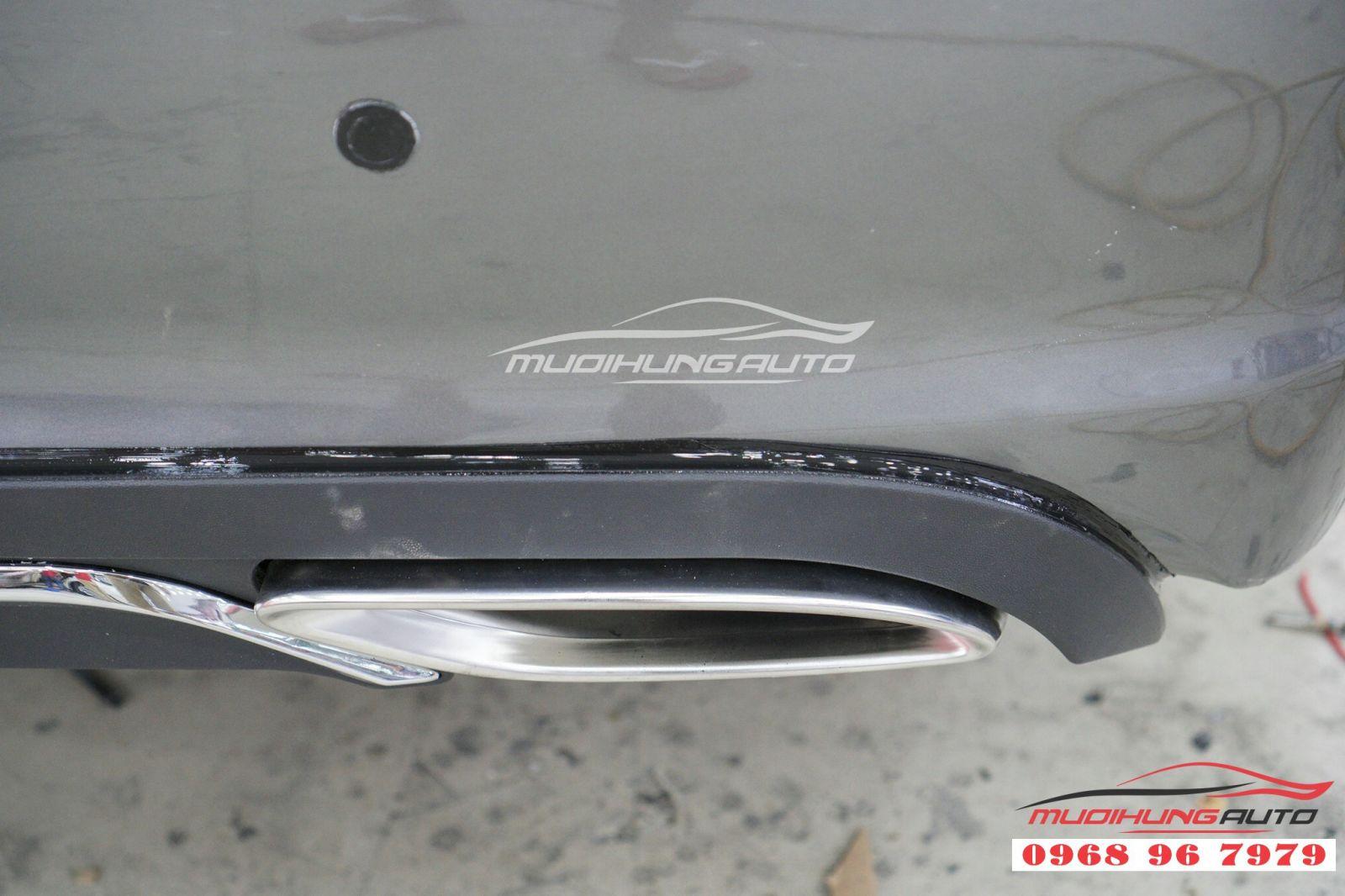 Độ ốp pô kiểu Mercedes đẳng cấp cho Grandis 07