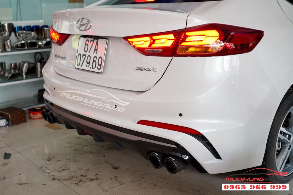 Độ pô Akrapovic thể thao Hyundai Elantra mới nhất 2019 12