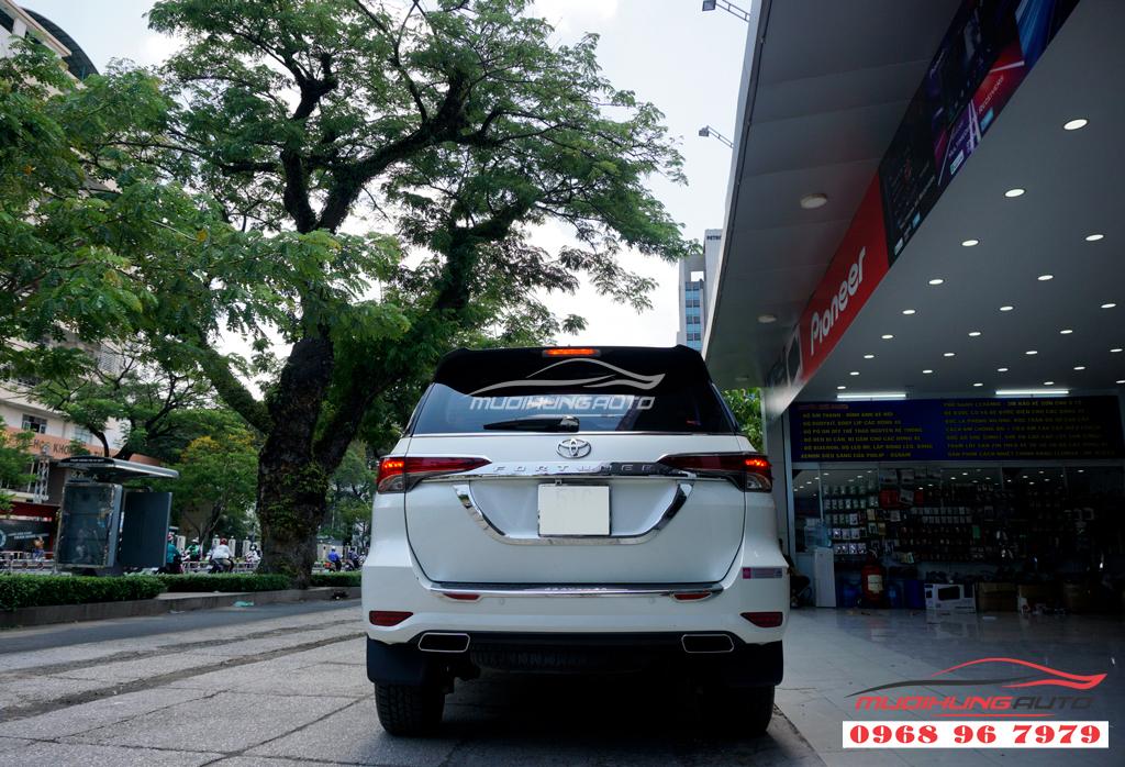 Độ pô Toyota Fortuner mẫu pô Vuông cao cấp