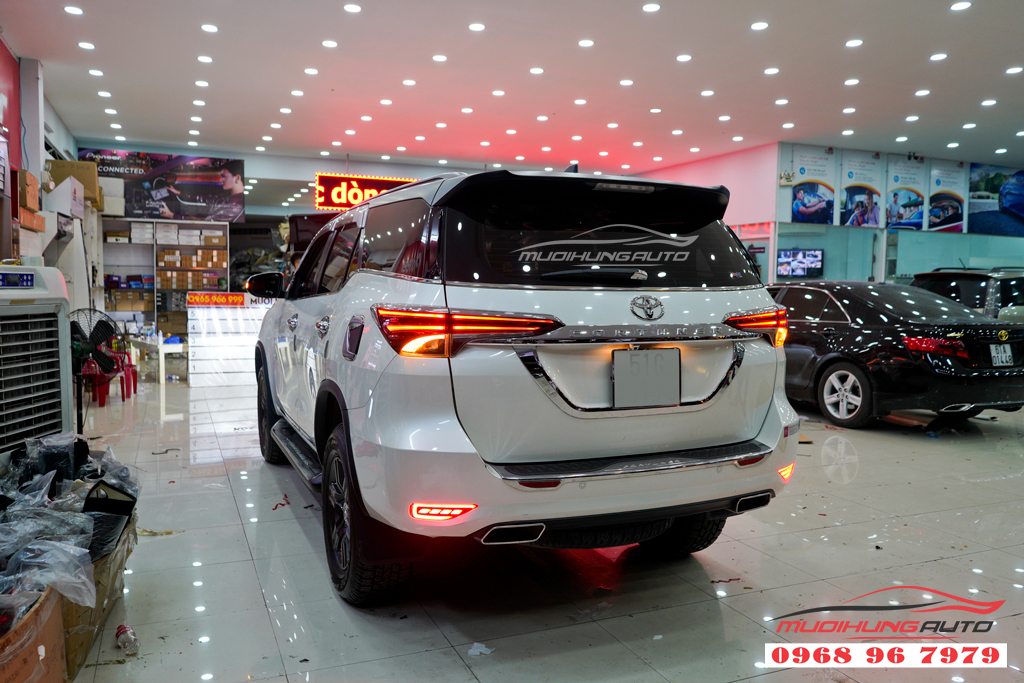 Độ pô Toyota Fortuner mẫu pô Vuông cao cấp 06