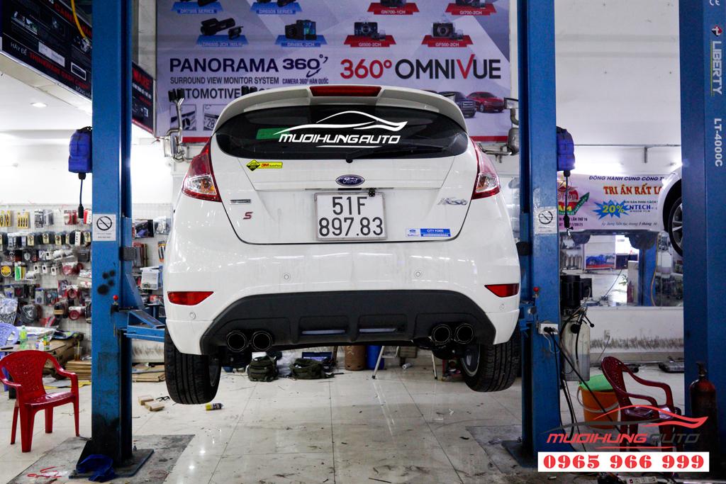 Độ pô thể thao Ford Fiesta giá rẻ
