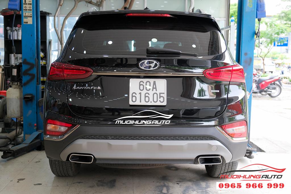 Độ pô vuông Hyundai Santafe 2019 chuyên nghiệp