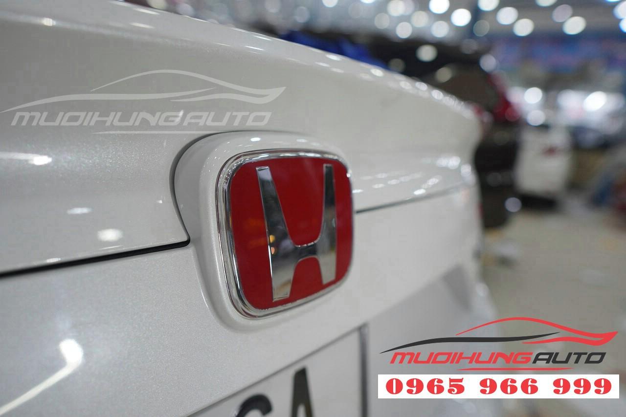 Độc đáo hơn với Logo xe Honda Civic 2019 tại TP HCM 04