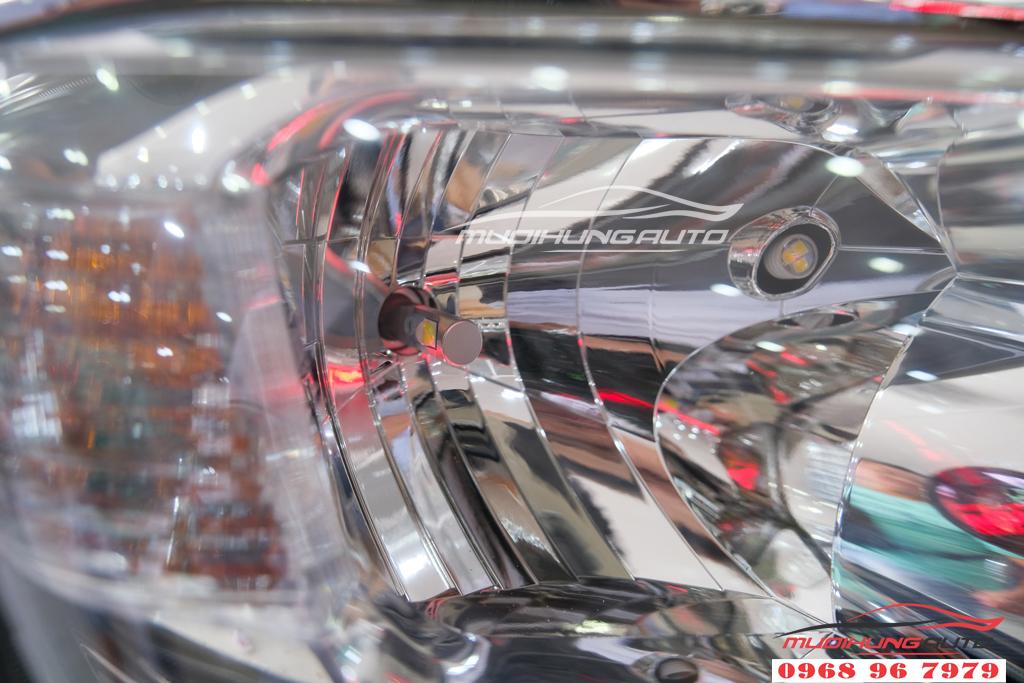 Fortuner 2012 thay bóng xenon và LED pha uy tín 01