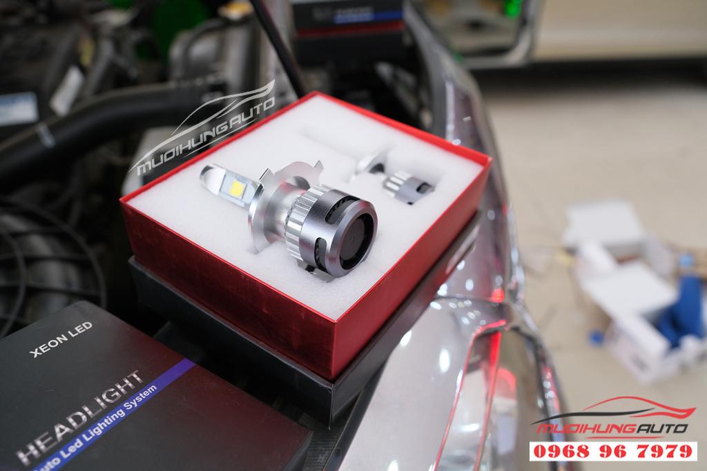 Fortuner 2012 thay bóng xenon và LED pha uy tín 07