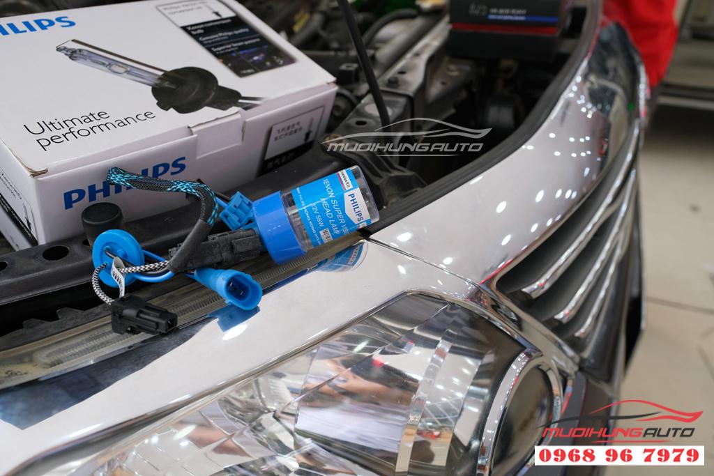 Fortuner 2012 thay bóng xenon và LED pha uy tín 08