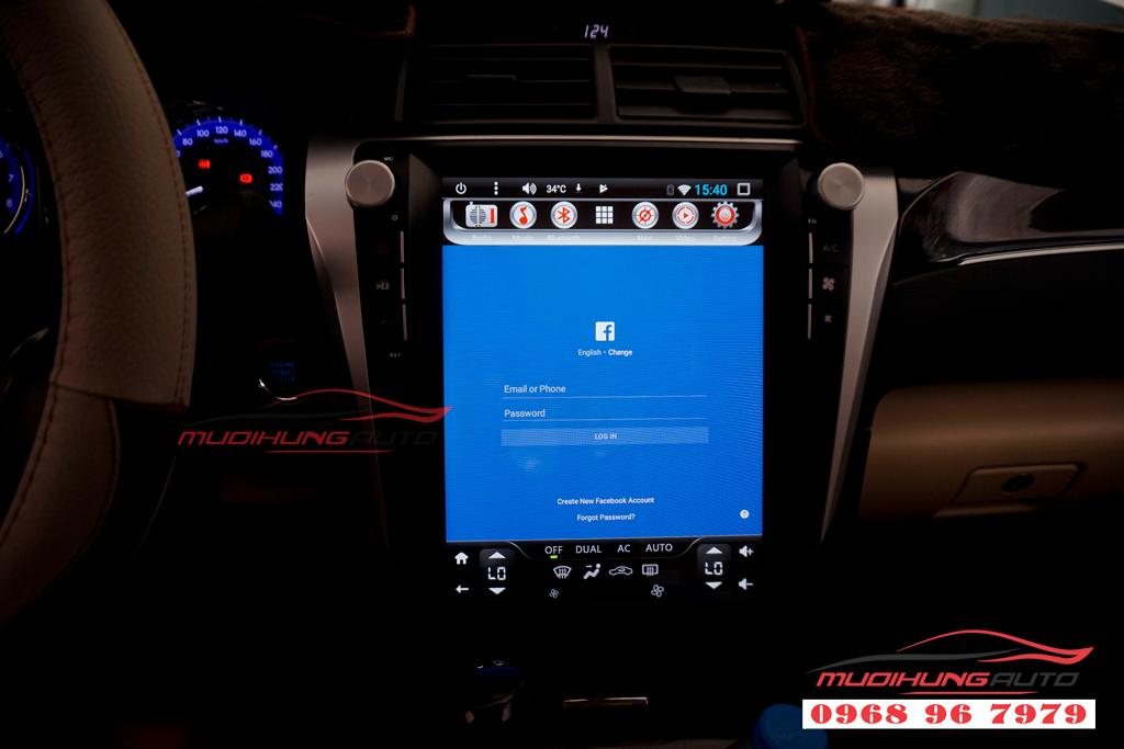 Gắn DVD Toyota Camry mẫu Tesla giá rẻ 07