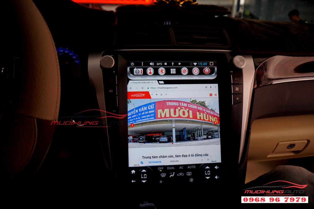 Gắn DVD Toyota Camry mẫu Tesla giá rẻ 09
