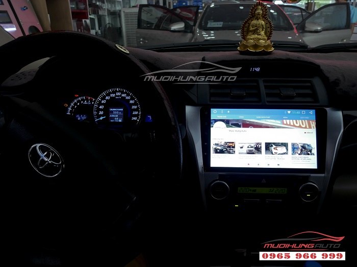 Gắn Dvd theo xe Toyota Camry chính hãng giá rẻ 02