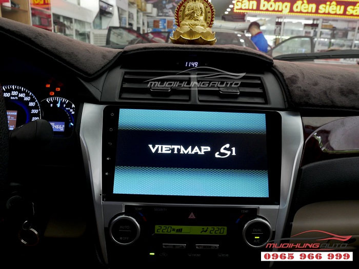 Gắn Dvd theo xe Toyota Camry chính hãng giá rẻ 07