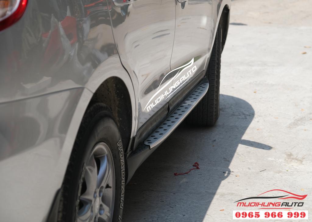 Hyundai Santafe 2008-2012 gắn bệ bước chính hãng