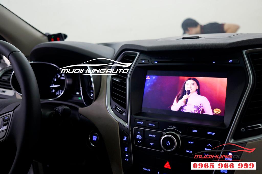 Gắn màn hình gối đầu Android Hyundai Santafe 2019