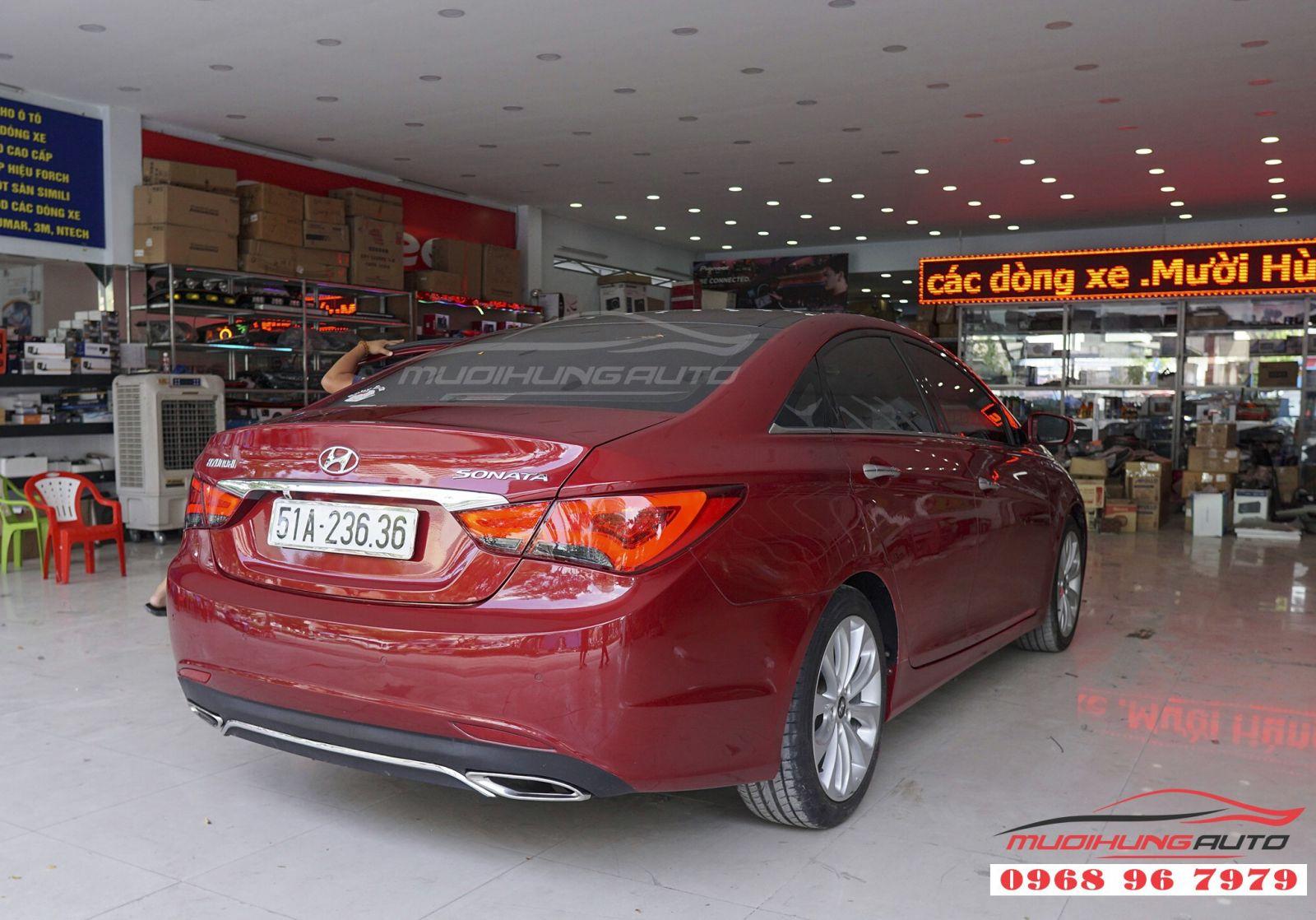 Hyundai Sonata 2011 độ đèn hậu nguyên cụm giá tốt 02