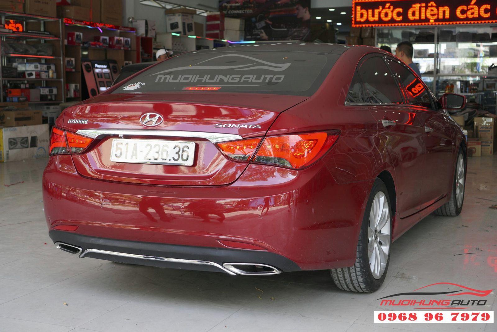 Hyundai Sonata 2011 độ đèn hậu nguyên cụm giá tốt 03