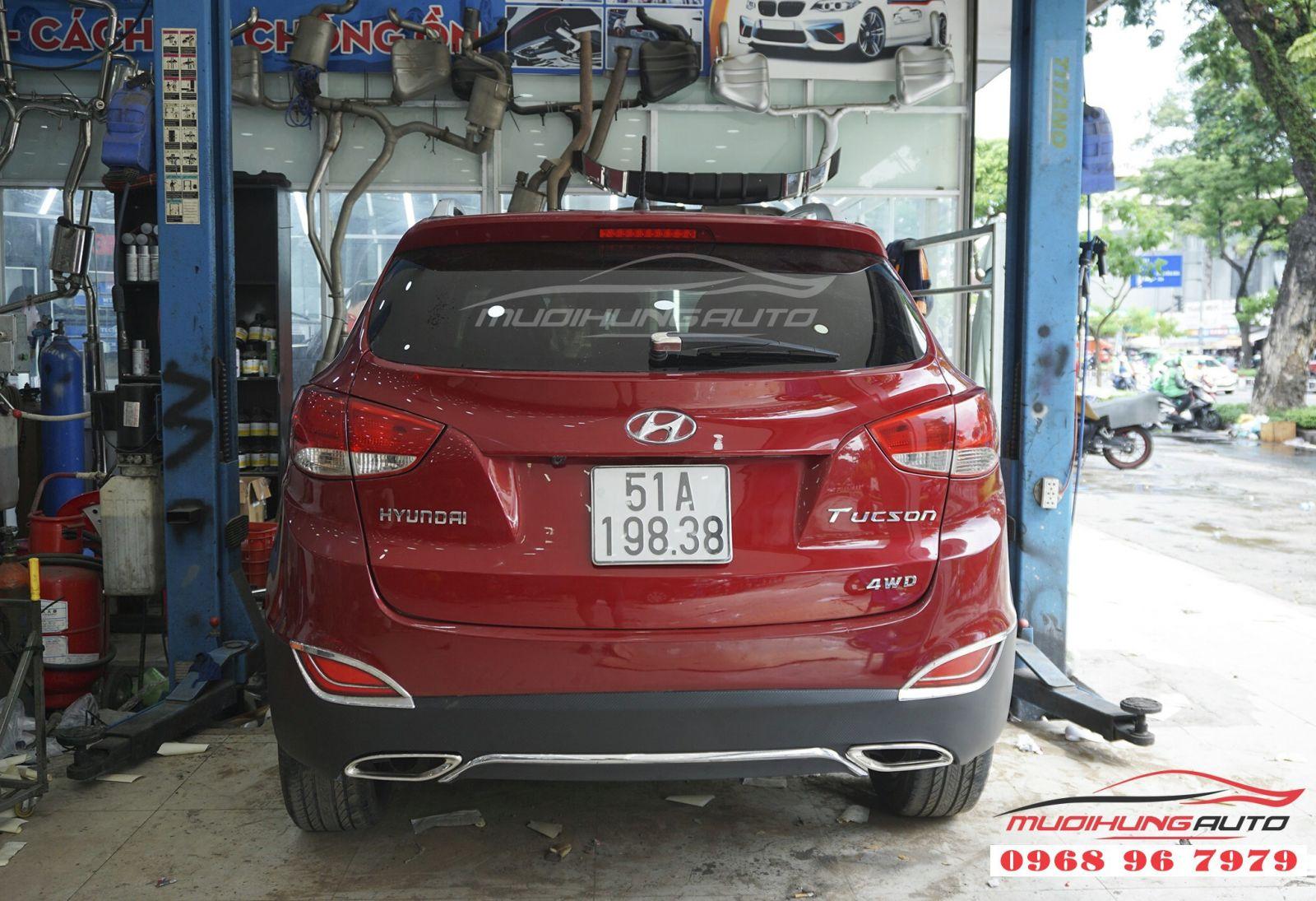 Hyundai Tucson phá cách hơn với lip pô Mercedes 03