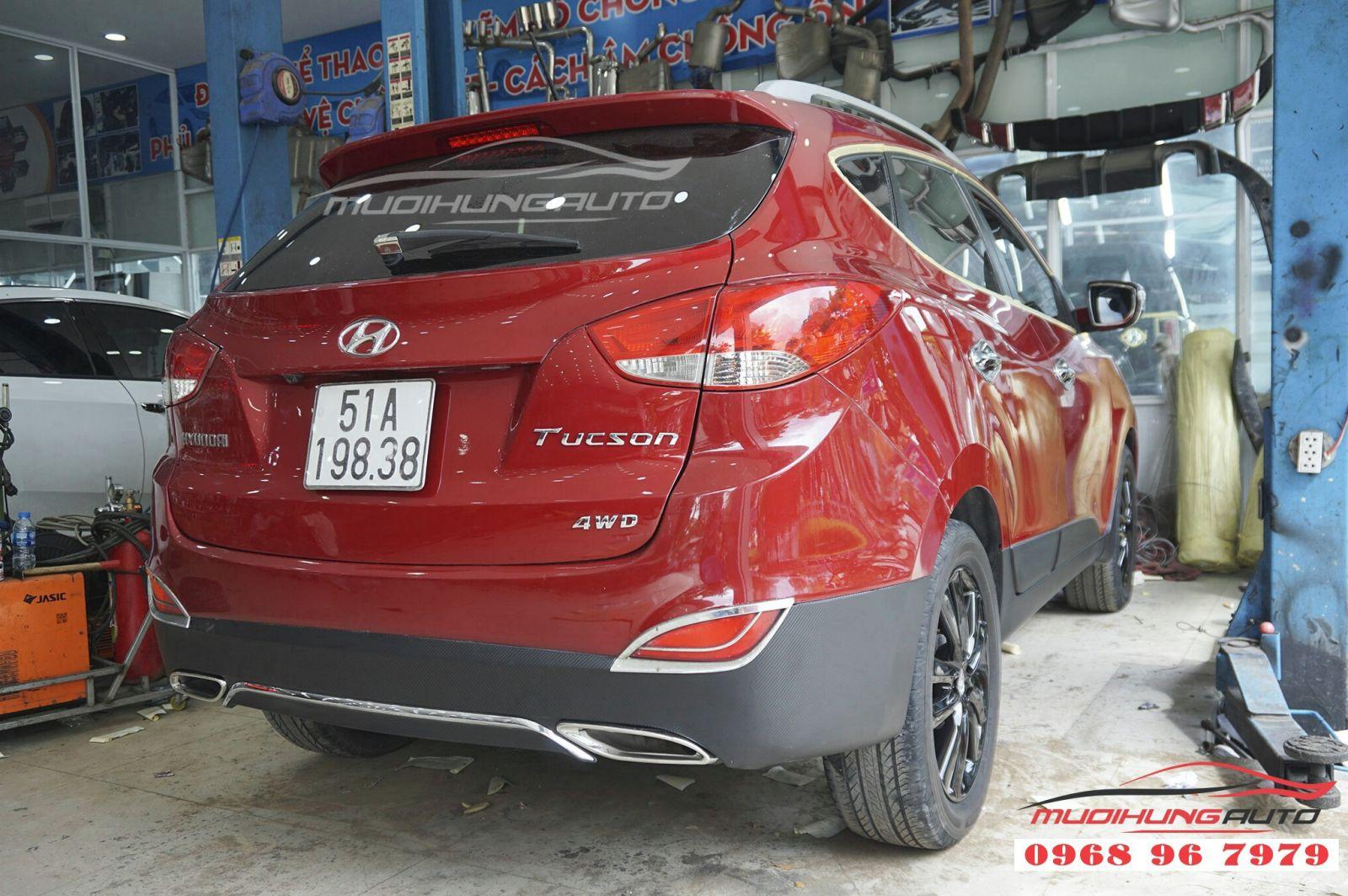Hyundai Tucson phá cách hơn với lip pô Mercedes 04