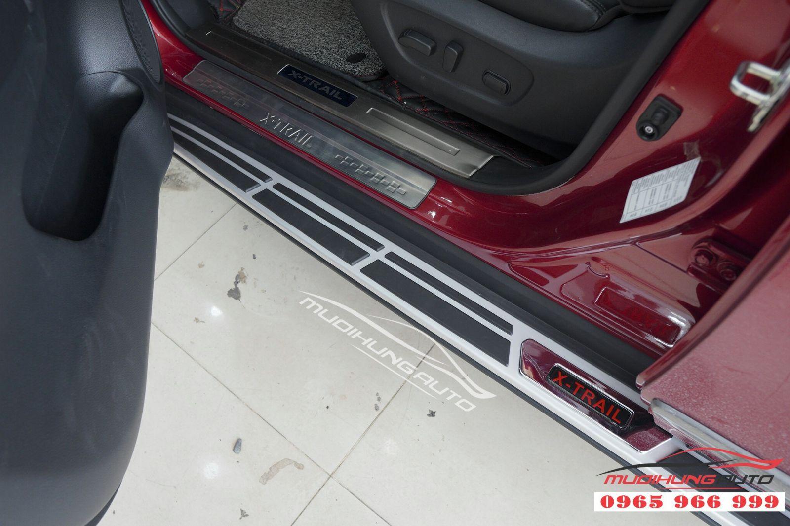 Lắp bệ bước chân chính hãng cho Nissan X-trail 05