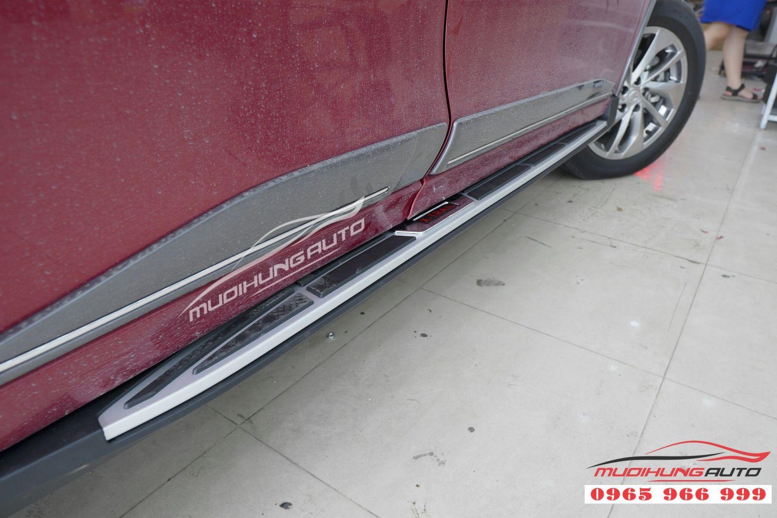 Lắp bệ bước chân chính hãng cho Nissan X-trail 06