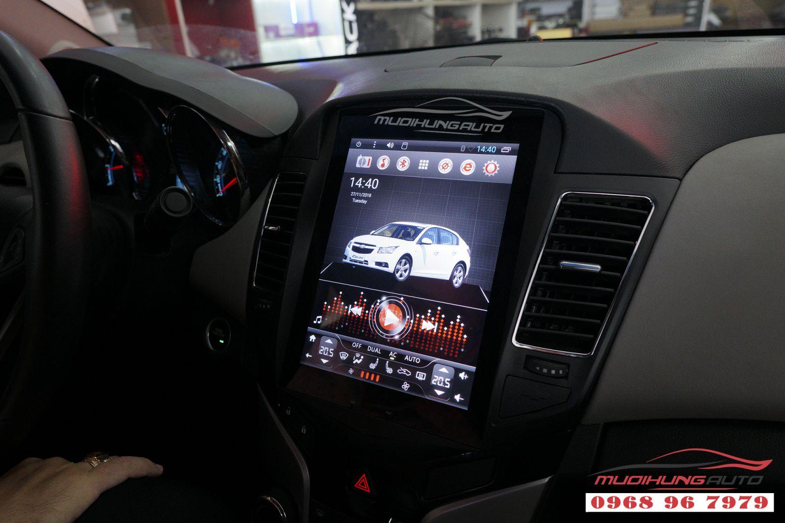 Lắp màn hình DVD Tesla Chevrolet Cruze chính hãng