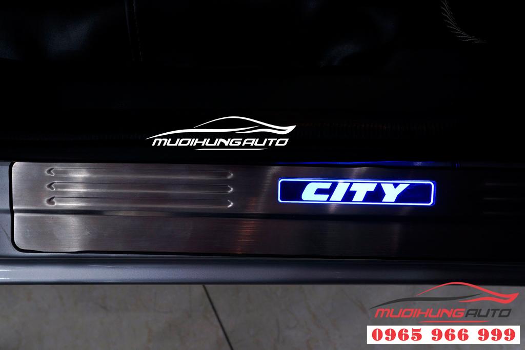 Nẹp bước chân có đèn Honda City 2017 chính hãng
