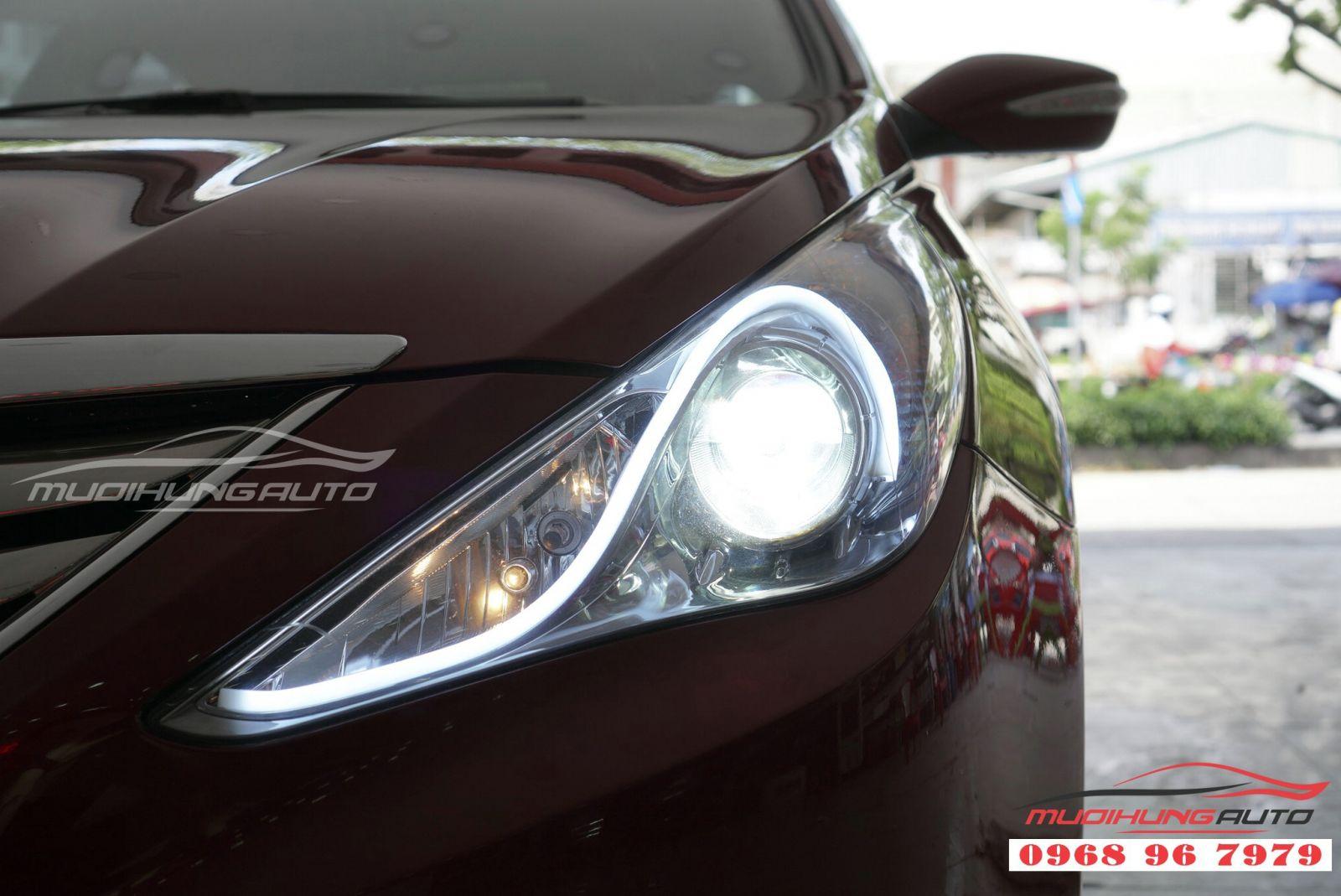 Sonata 2011 sắc sảo hơn với độ LED mí Audi 05