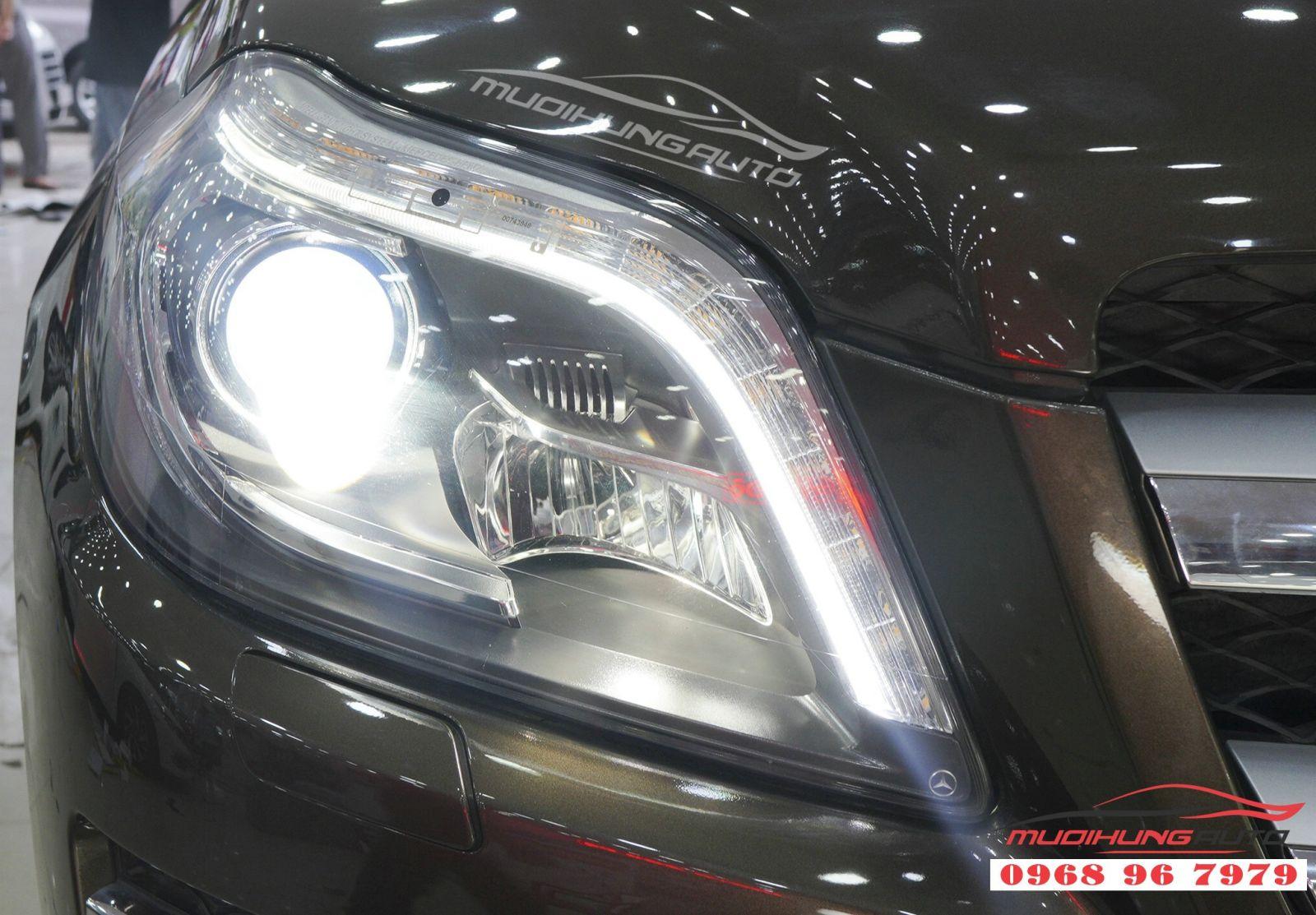 Thay Bi Xenon đèn pha cho Mercedes GLS 06