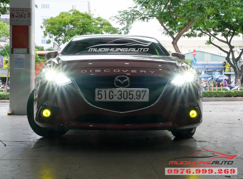 Thay bóng xenon Philips bên Cos và gắn bóng Led Pha xe Mazda 3 02