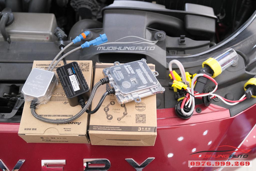 Thay bóng xenon Philips bên Cos và gắn bóng Led Pha xe Mazda 3 06