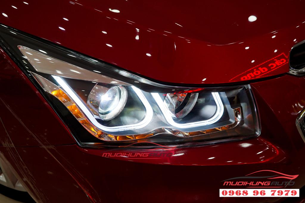 Thay đèn pha nguyên cụm Chevrolet Cruze 2017 giá rẻ