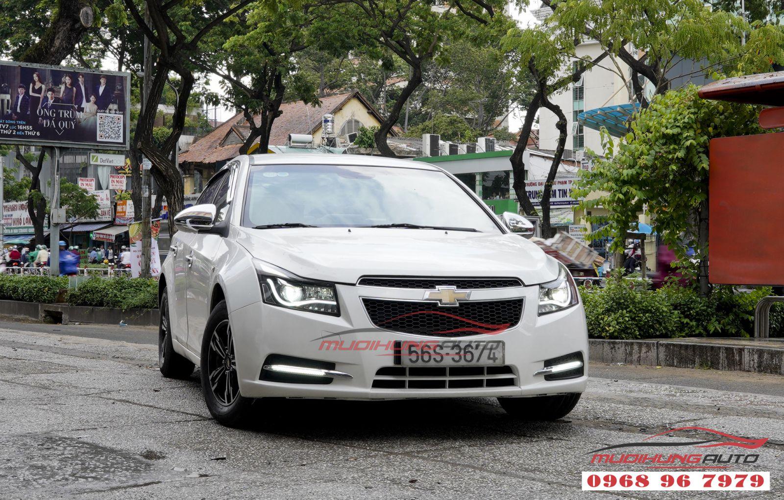 Thay đèn pha nguyên khối và led cản Chevrolet Cruze 2017 tại tphcm