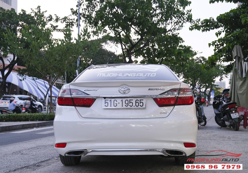 Toyota Camry độ lip Mercedes chuyên nghiệp tại TPHCM 01