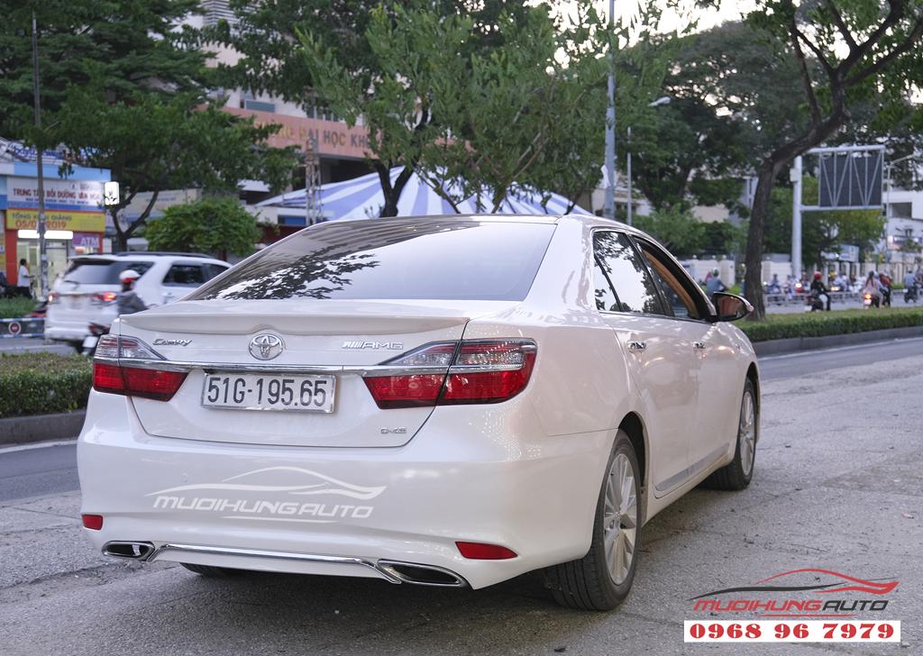 Toyota Camry độ lip Mercedes chuyên nghiệp tại TPHCM 02