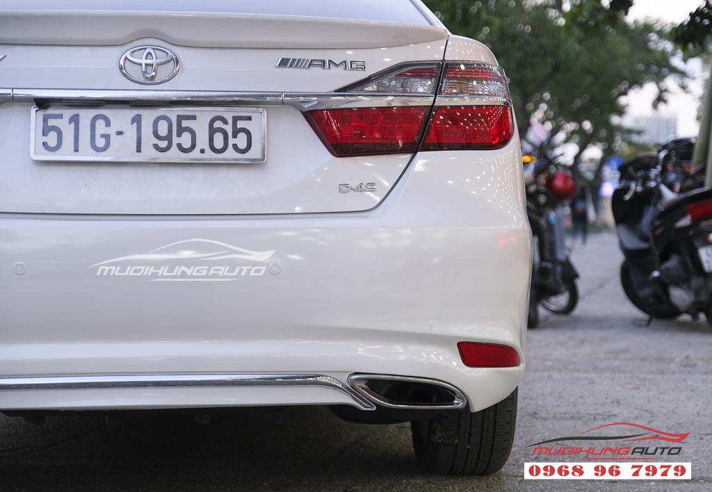 Toyota Camry độ lip Mercedes chuyên nghiệp tại TPHCM 03