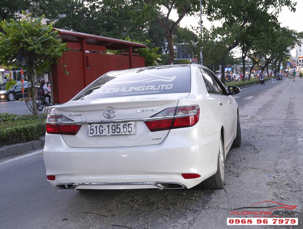 Toyota Camry độ lip Mercedes chuyên nghiệp tại TPHCM 07
