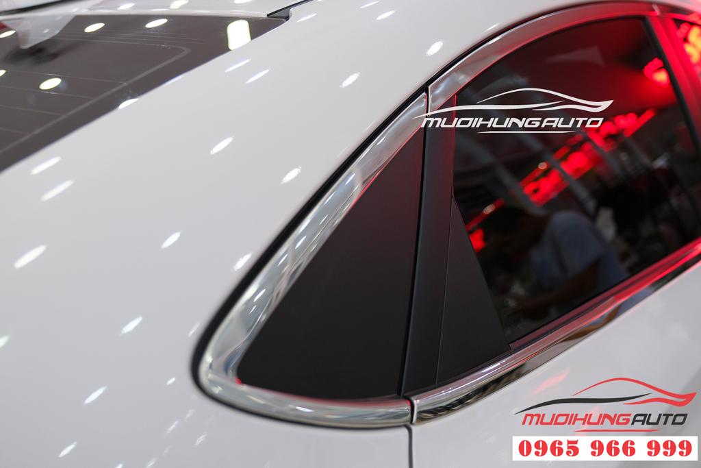 Viền khung kính  Hyundai Accent 2019
