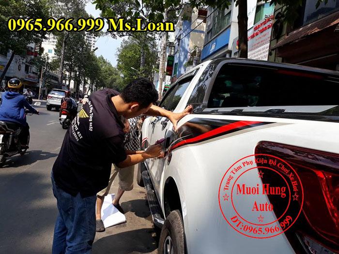 Dán Tem Hông Siêu Đẹp Xe Mazda BT50