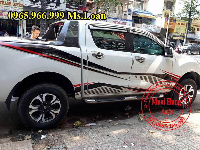 Dán Tem Hông Siêu Đẹp Xe Mazda BT50 01