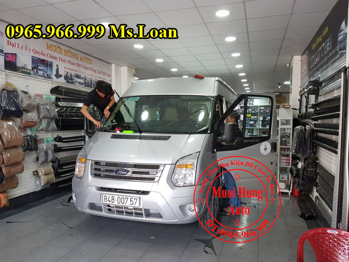 Dán Phim Cách Nhiệt Cho Xe Ford Transit 02